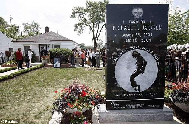 Michael Jackson Monument